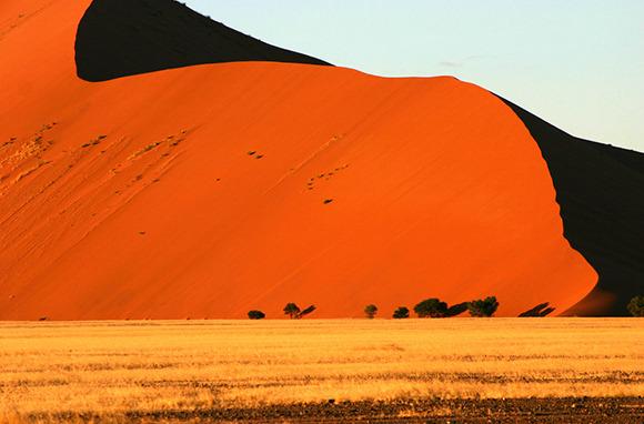 sossusvlei-sand-dunes-namibia-africa